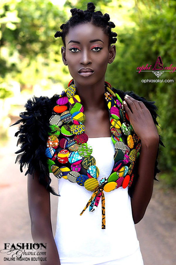 Aphia Sakyi Ayinemi Shoulder Accessory